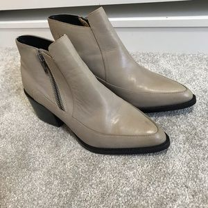 Taupe square heeled booties size 38.5 like new